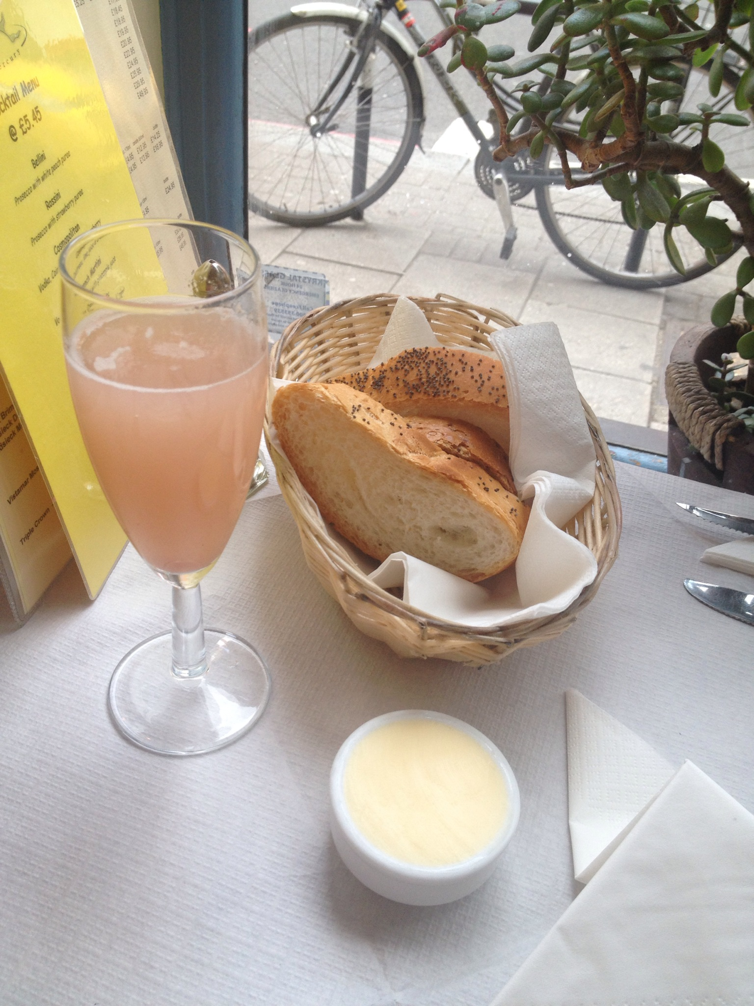 bellini and bread - Le Mercury, Upper Street Islington