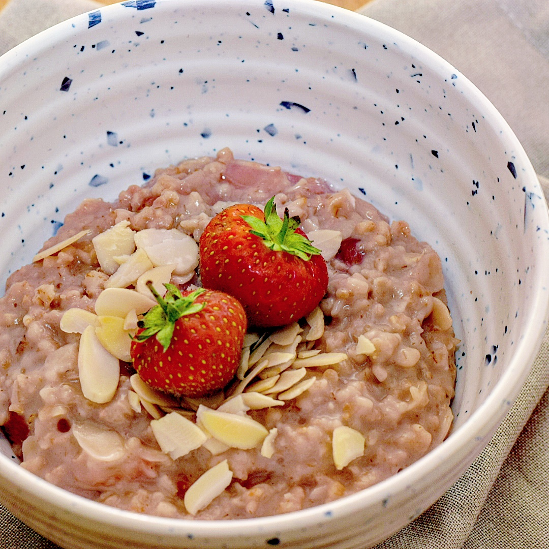 Strawberry and Almond Porridge Recipe