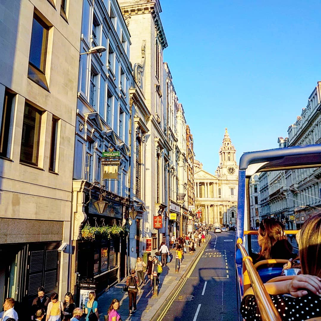 Out & About|| London Sightseeing with Megabus