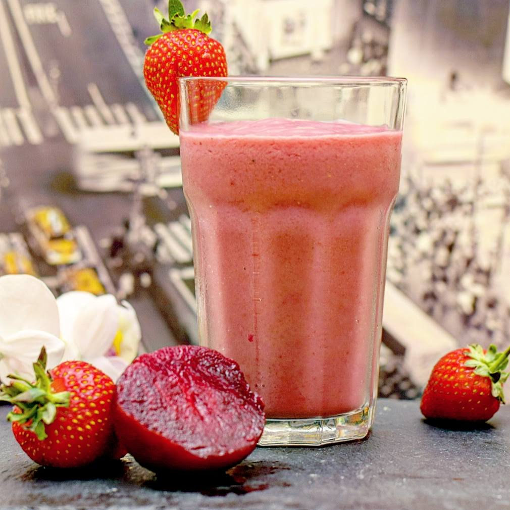 Strawberry, banana & beet smoothie recipe