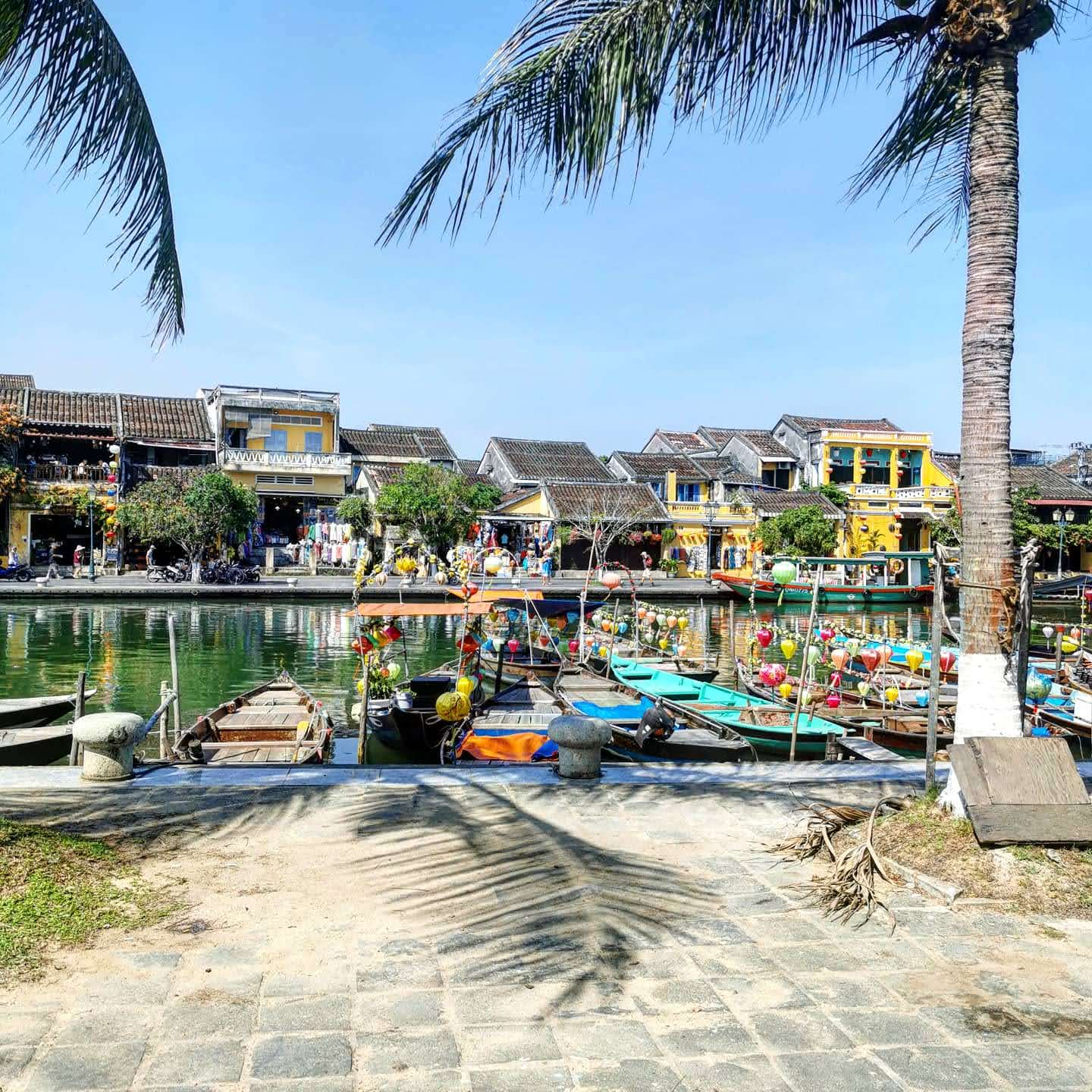 Thu Bon River in Hoi An in the day